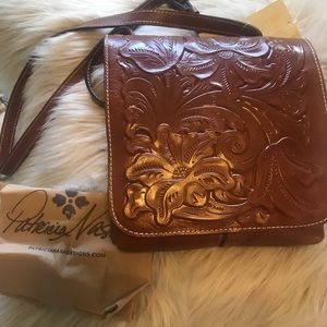 Patricia Nash NWT Rose Tooled Leather Crossbody
